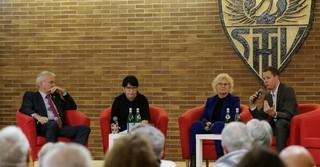 Moderiert wurde die Podiumsdiskussion von Yasmin Schillung