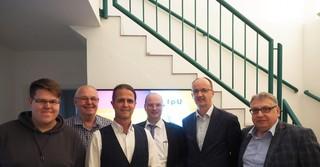 IHK-Besuch von links nach rechts: Lukas Adam, Clemens Adam, Markus Klimesch, Dr. Gunter Quidde, Dr. Andreas Freundt, Marcus Heide.