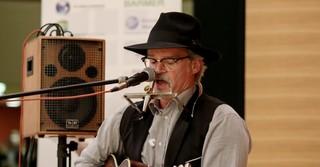 Uwe Jost sorgte für die musikalische Umrahmung des Abends.