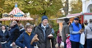 Viele Leckereien warten auf die Besucher des St. Martinfestes.