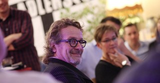 Der Frankfurter Künstler Mike Kuhlmann ist seit über 30 Jahren ein guter Kumpel von Peter Fischer