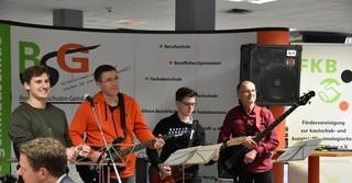 Die Schulband sorgte für die musikalische Umrahmung der Feierlichkeit.