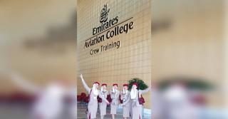 In meiner Uniform, aufgenommen im Emirates Aviation College (unsere Ausbildungsstätte)