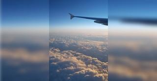 Über den Wolken, aufgenommen während eines Fluges als Passagier