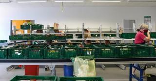 Hier werden die Pakete für die Kunden der Gelnhäuser Tafel sortiert.