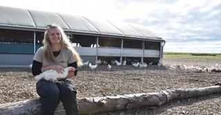 Desiree Stephan (22) ist nach ihrem FÖJ auf dem Franzehof fest in den Betrieb eingestiegen.