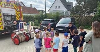 Die Feuerwehr Bad Soden war im benachbarten Kindergarten St. Laurentius zur Brandschutzerziehung eingeladen.