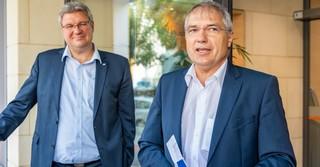 Thomas Sälzer (links) und Frank Mackenroth vom Vorstand der VR-Bank Fulda erläuterten die Kooperation