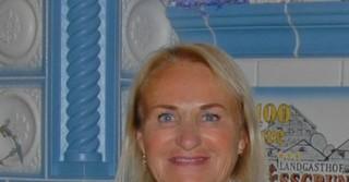 Esther Hummel