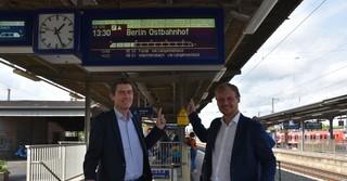 Für Lennard Oehl geht es zum ersten Mal nach Berlin, für Sascha Raabe wird das eine der letzten Fahrten in den Bundestag - Fotos: Moritz Pappert