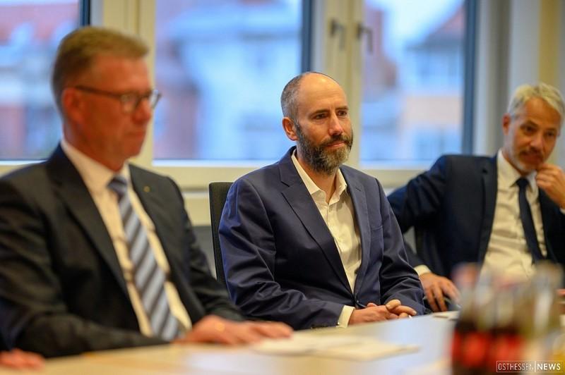 In der Bildmitte Tegut-Chef Thomas Gutberlet