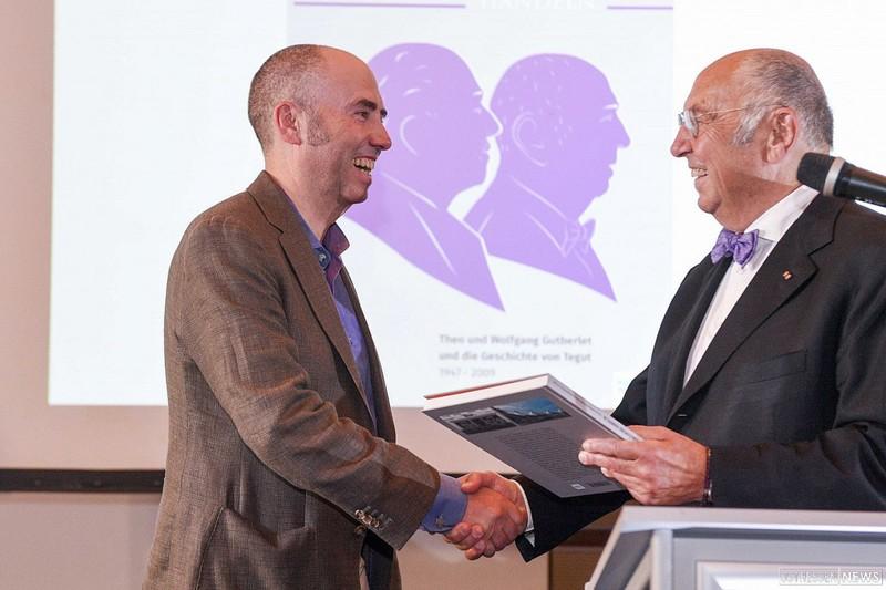 Thomas Gutberlet und sein Vater Wolfgang Gutberlet bei einer Buchpräsentation
