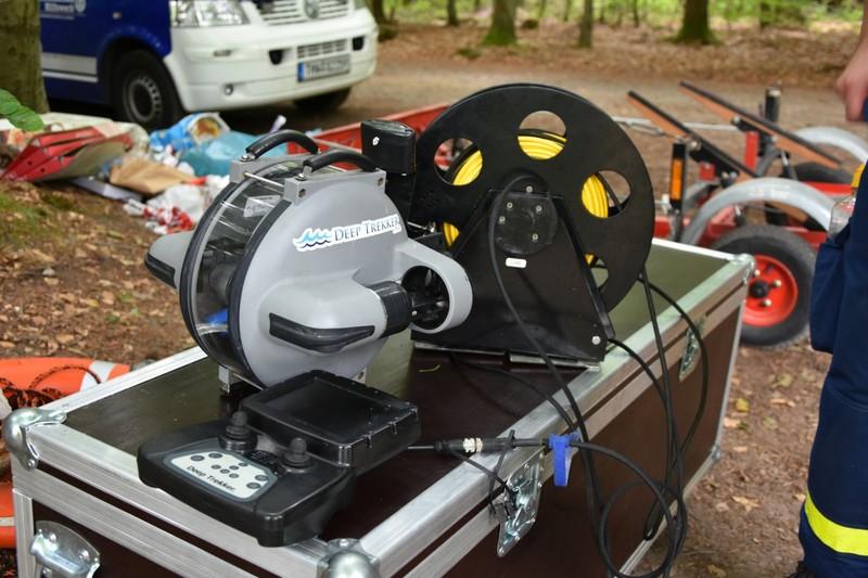 Sonderausstattung des THW Eckernförde: Tauchroboter (mobiles Unterwasser-Suchgerät (ROV)) wurde bei der Personensuche nach dem 23-jährigen eingesetzt